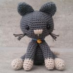 http://www.ravelry.com/patterns/library/kitty-the-cat