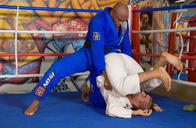 guarda-emborcada-jiu-jitsu