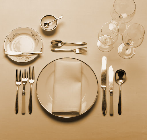interior essence table setting for the holidays. Black Bedroom Furniture Sets. Home Design Ideas