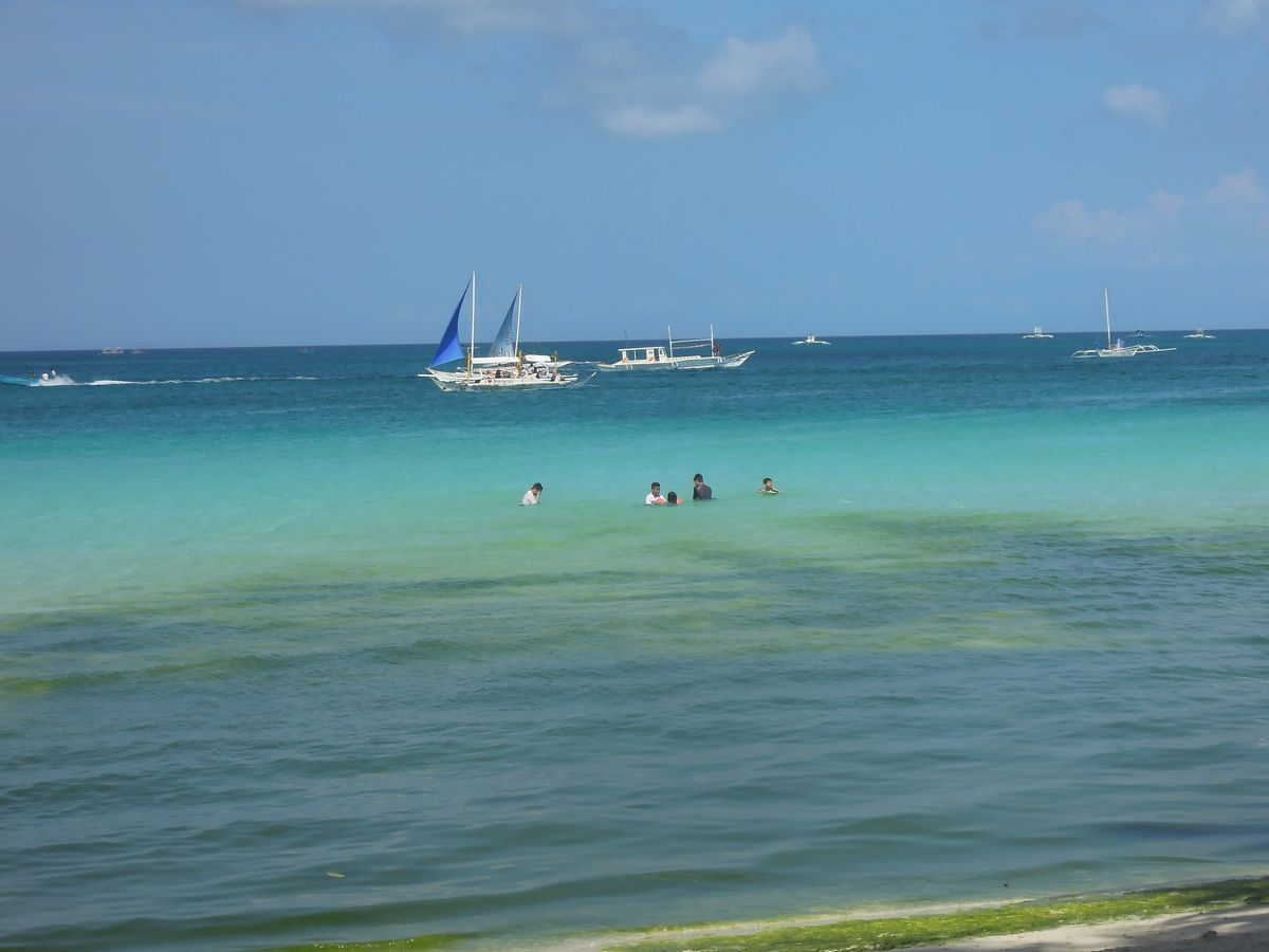 The aquamarine waters of Boracay