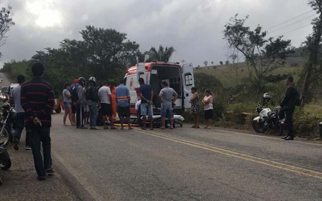 Jacobina: Motociclista sofre ferimentos ao cair na BR-324, próximo ao acesso para Itaitu