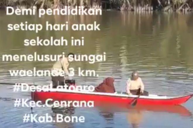 Demi Pendidikan, Pelajar di Pelosok Cenrana Bone Gunakan Perahu ke Sekolah