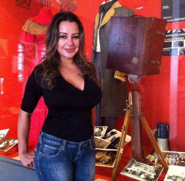 Atriz Cris Lopes apresenta premiado filme AGS na Argentina