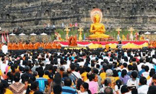 Perayaan hari besar agama budha www.simplenews.me