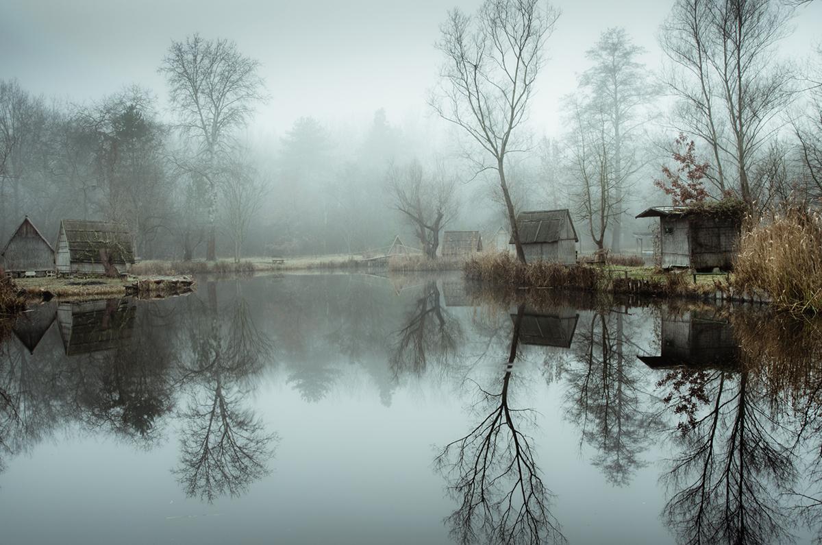 06-Viktor Egyed-Photographs-of-the-Enchanted-Fishing-Village-www-designstack-co