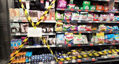 Кабмін заборонив на період карантину торгівлю промтоварами в магазинах