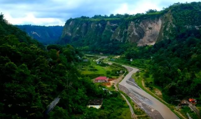 lembah di sumatera, indonesia