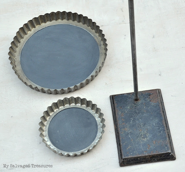 create chalkboards with vintage tart pans