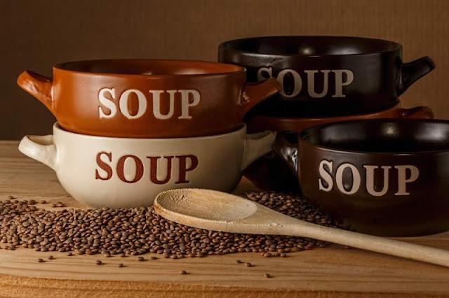 ciotole per la zuppa di lenticchie vegana