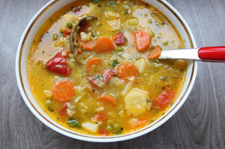 food-gastro-recepti-hrana-čorba-ručak-supa-povrče-vitaminska_čorba