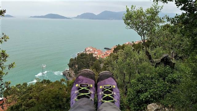 panorama su tellaro e il golfo dei poeti