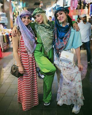 Giovanna Lancellotti, a mãe e a irmã mergulharam na cultura local durante os passeios por Dubai — Foto: Arquivo pessoal