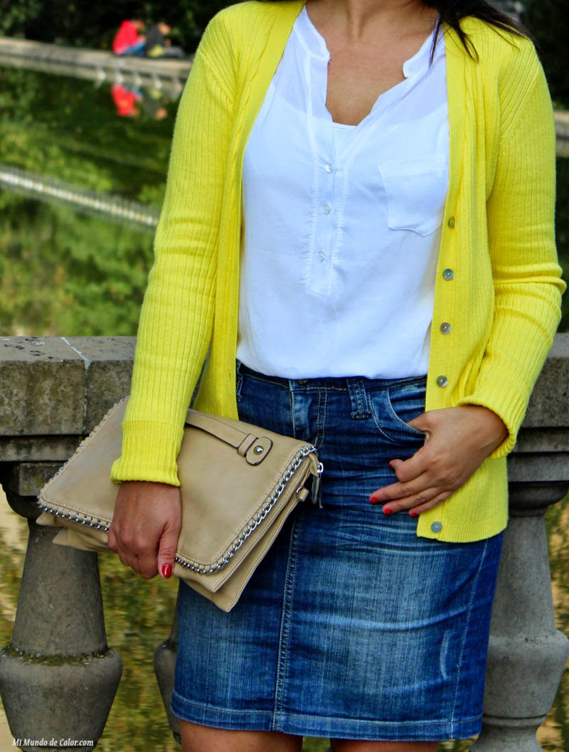 look casual con jersey amarillo