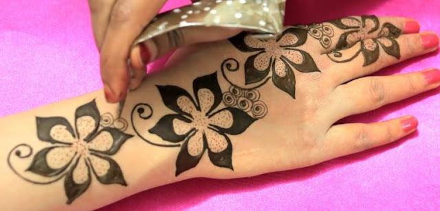 Floral Design Mehndi Design Back Hand