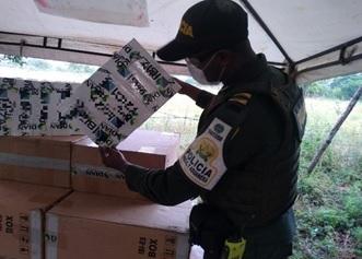 hoyennoticia.com, Millonario contrabando de cigarrillos iba camuflado  en camión cargado con sal