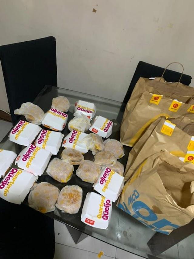 Criança de 5 anos pega celular da mãe e compra 225 reais em lanches do McDonald's