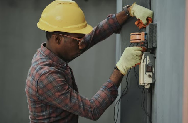skilled tradesman electrical work on building