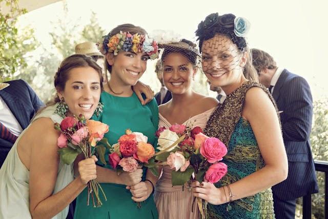 corona flores invitada boda perfecta blog a todo confetti fiesta vestido