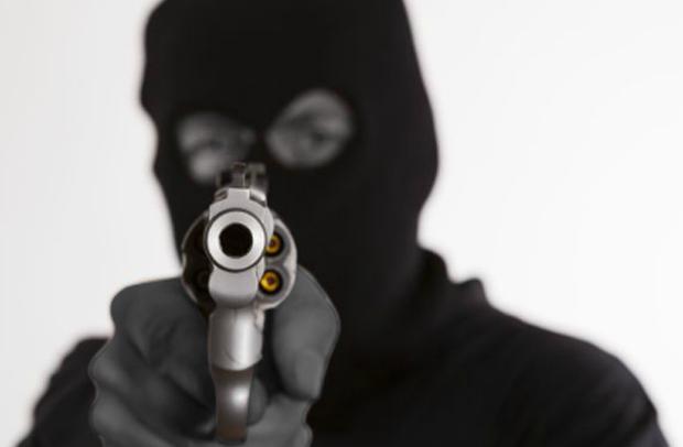 Εξιχνιάσθηκε ένοπλη ληστεία σε βάρος υπαλλήλου περιπτέρου στη Θήβα