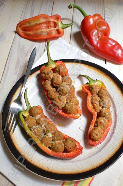 hiperica di lady boheme blog di cucina, ricette gustose, facili e veloci. Peperoni ripieni di polpette di carne