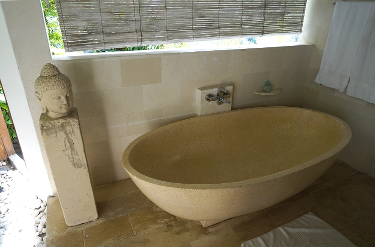 Euriental   travel and fashion   Villa Shamballa outdoor bathroom, Ubud, Bali