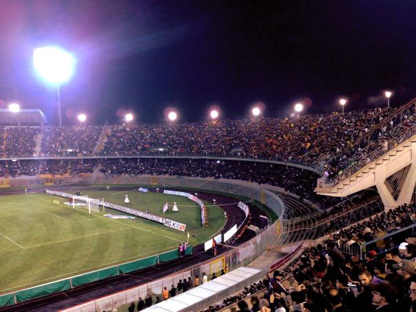 Curva Nord e distinti stadio stadio di Lecce