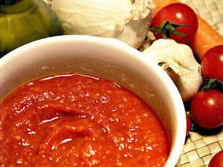 Meko is a fresh tomato sauce made with tomatoes, onions and hot peppers.