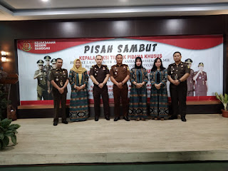 Kajari Sanggau Serah Terima Jabatan Dua Pejabat dan Satu Jaksa di Lingkungan Kejaksaan Negeri Sanggau