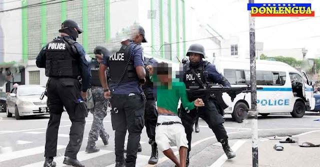Policías de Trinidad persiguieron a 10 inmigrantes ilegales venezolanos por 40 minutos