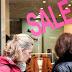 Ανοιξιάτικες εκπτώσεις: Ποιες Κυριακές θα ανοίξουν τα καταστήματα