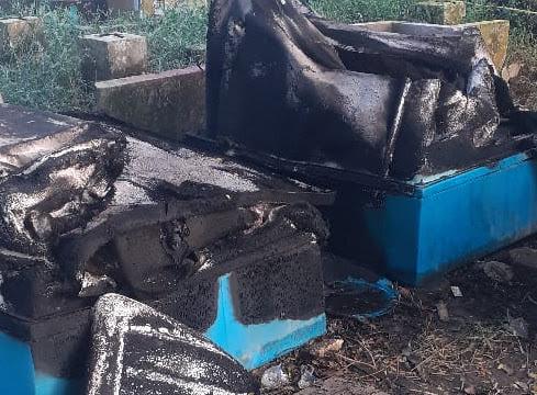 Kawasan Rekreasi Danau Raja di Kampung Dagang Ditutup, Pagar & Fasilitas Umum Dirusak Hingga Dibakar OTK
