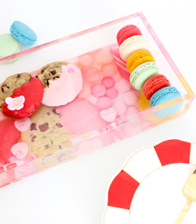 http://www.akailochiclife.com/2017/01/diy-it-valentine-candy-tray.html
