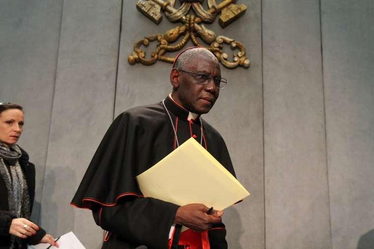 Kardinal Robert Sarah Mengundurkan Diri dari Kongregasi Ibadat Ilahi