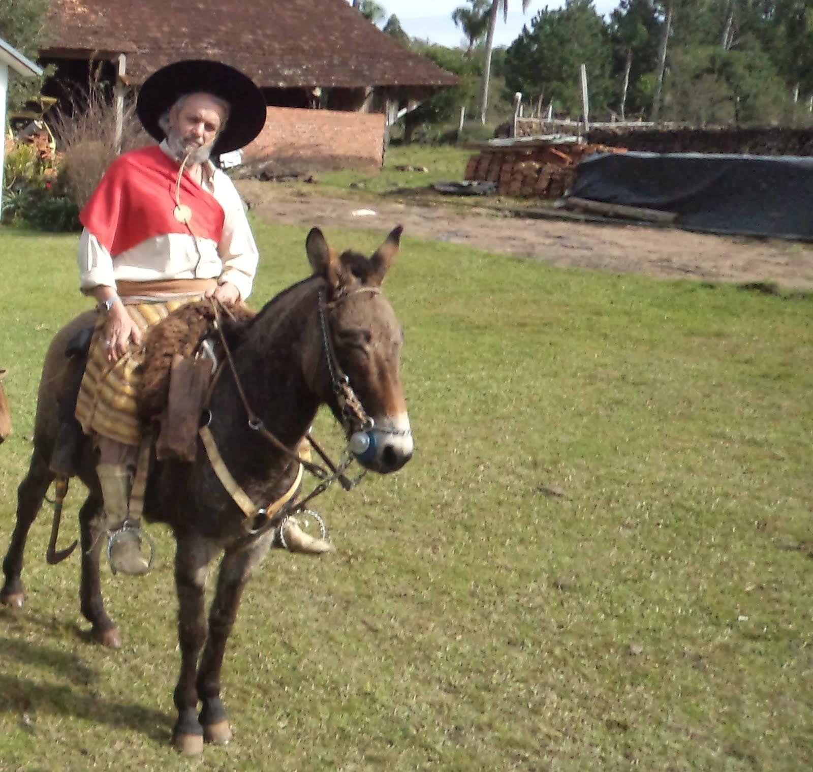 Como hoje tiramos o dia para falar sobre indumentária (19 11 2012)  aproveitamos esta foto de meu grande amigo Adão Bueno b2b442f0392