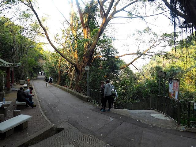 Wan Chai Gap Road and Bowen Road walking trail junction, Hong Kong