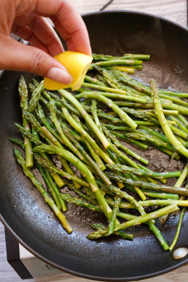 Lemon Parmesan Asparagus - a super simple and delicious side dish