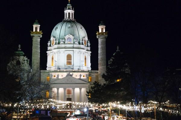 vienne vienna marché Noël weihnachtsmarkt karlsplatz karlskirche