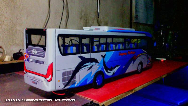 Miniatur Bus Discovery Sugeng Rahayu Rear