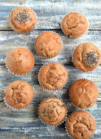 3-Ingredient Peanut Butter Banana Muffins are made with whole-grain pancake mix and have no-added sugar! They make a perfect breakfast or snack and are totally kid-friendly. www.nutritionistreviews.com #muffins #banana #peanutbutter #healthy #cleaneating #snack #pb #breakfast