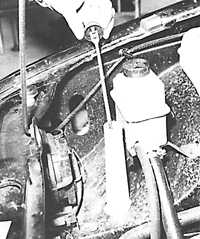 Бачок омывателей стекол и фар форд сиерра