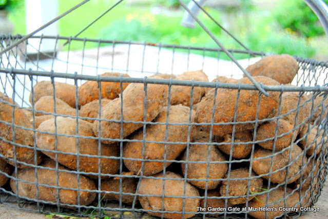 Canning Potato & Tomato Garden Soup: Garden to Canner at Miz Helen's Country Cottage