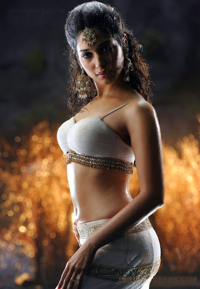 Sizzling Hot Actress Images