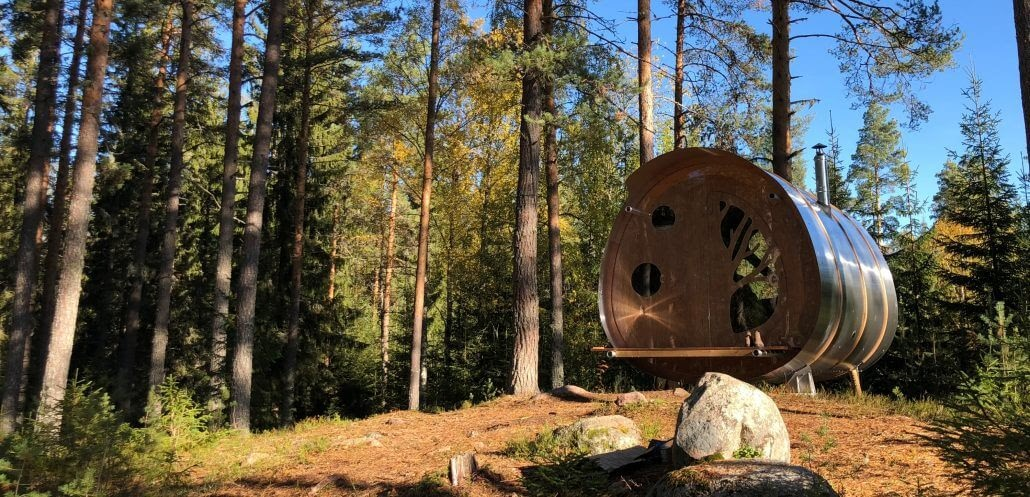 07-Appreciating-the-forest-360-degrees-Tree-Tents-The-Fuselage-Glamping-in-Nature-www-designstack-co
