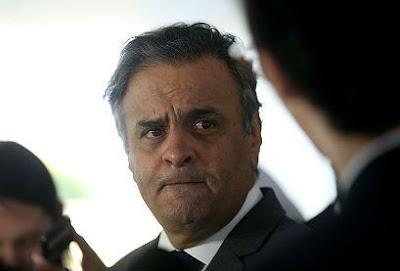 Situação de Aécio na direção do PSDB é insusntentável