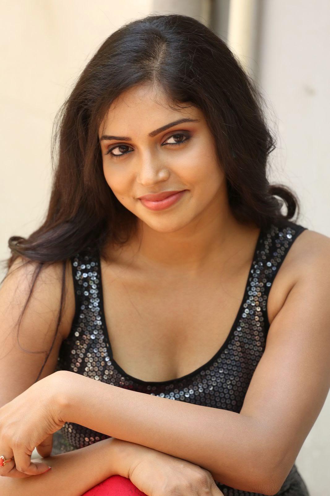 Actress Karunya New glam pics-HQ-Photo-20