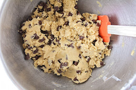 Want freshly baked, perfectly delicious cookies whenever the craving strikes? Follow these simple step by step instructions to freeze cookie dough, for the best results every time!