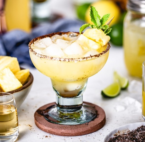 PINEAPPLE MARGARITAS #drinks #cocktail