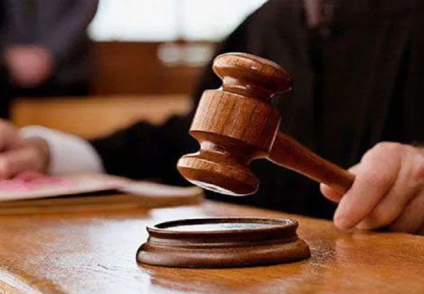 المحكمة تنظر في عزل رئيس جماعة عن البيجيدي ونوابه
