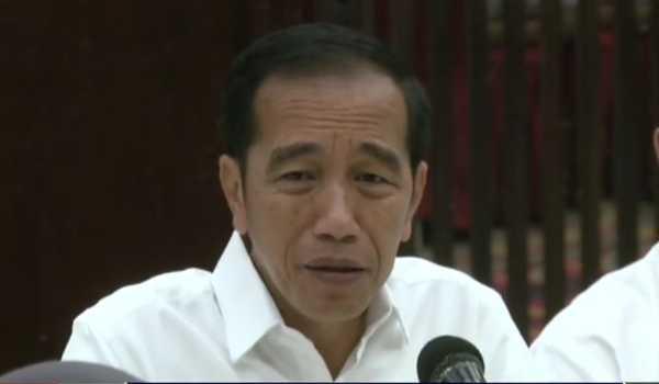 Andi Arief: Hari Ini Pak Jokowi Kambuh