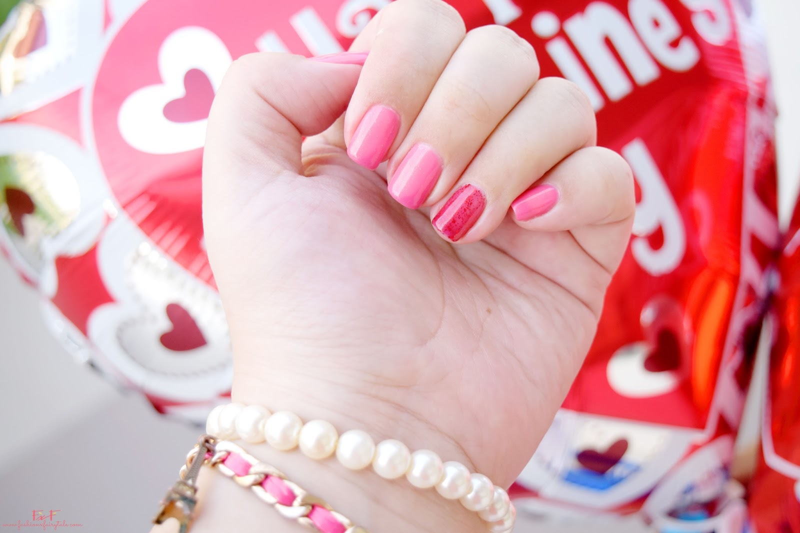 Pink & Red Valentine's Day Manicure | On My Nails